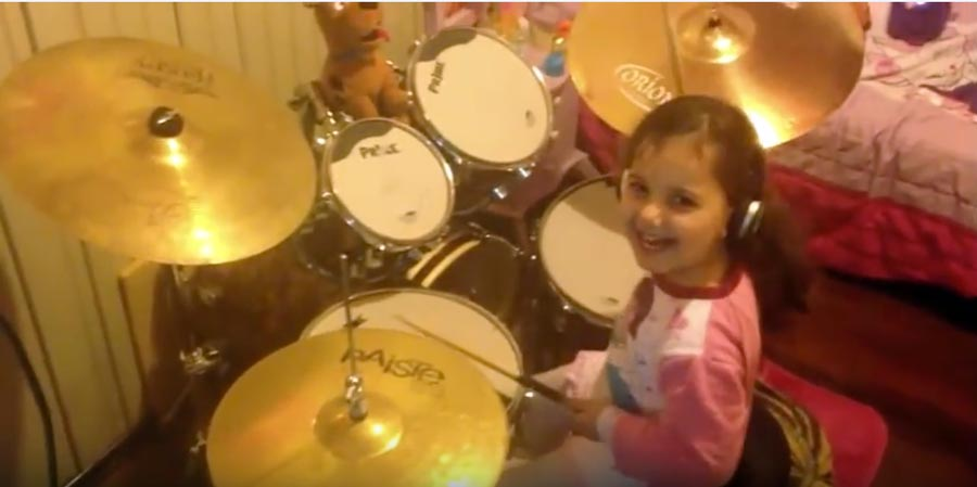 """This 4 Years Old Girl Plays Pink Floyd's """"Hey You"""" On The Drums"""