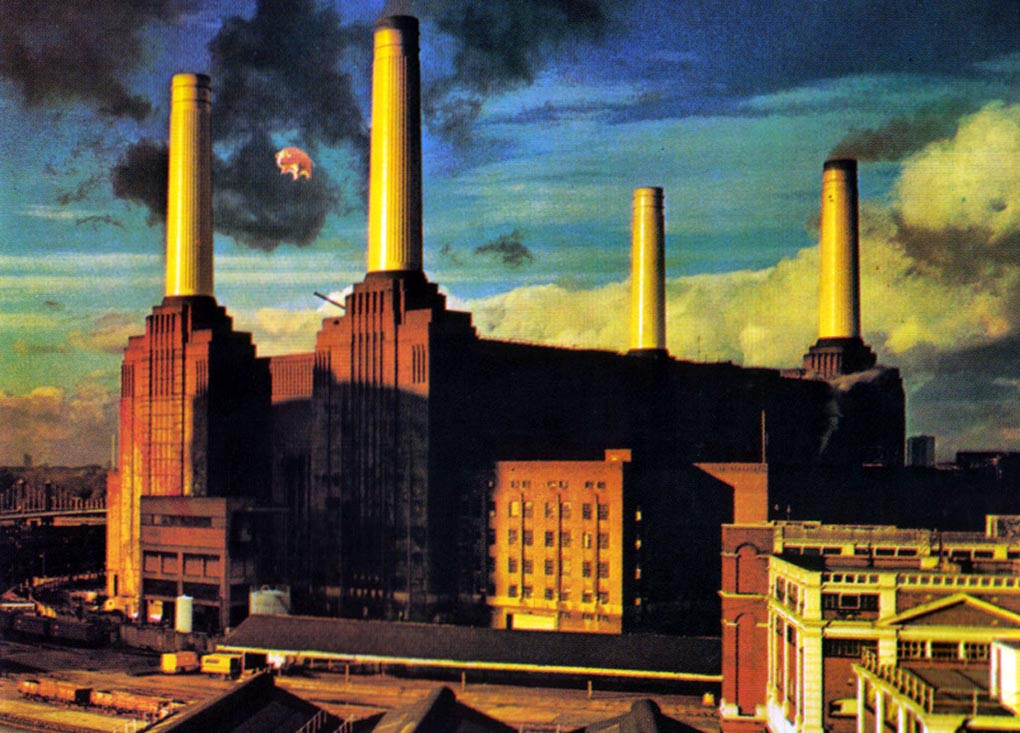 REMINISCENT TUESDAY: The High-Flying Adventures of Algie the Pink Floyd Pig