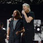 eddie-vedder-roger-waters