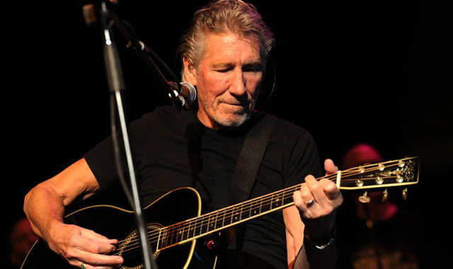 Watch: Billy Corgan and Tom Morello join Roger Waters on 'Comfortably Numb'