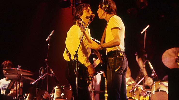 """Watch: Pink Floyd Play Final Tour, """"Another Brick In The Wall"""" Is The Star Of The Show"""