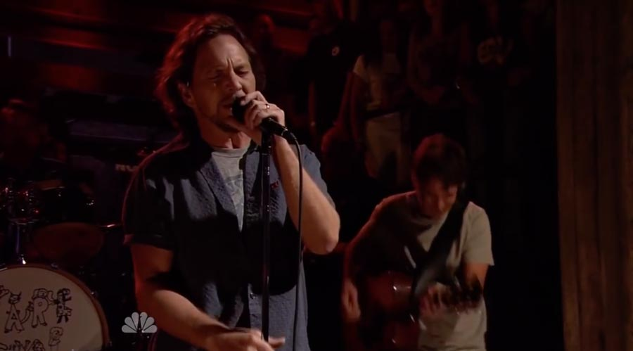Watch Pearl Jam's Amazing Cover Pink Floyd's 'Comfortably Numb' in Miami
