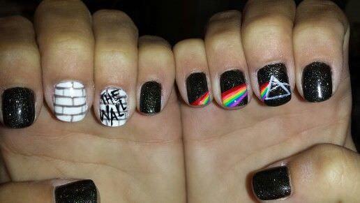 pink-floyd-nail-art 15