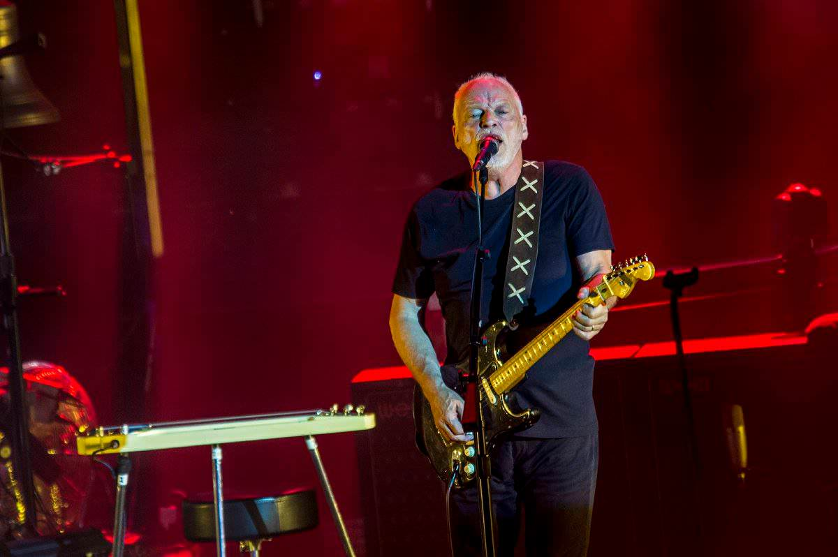 "Watch: David Gilmour treats Pompeii to rare performance of ""The Great Gig in the Sky"""