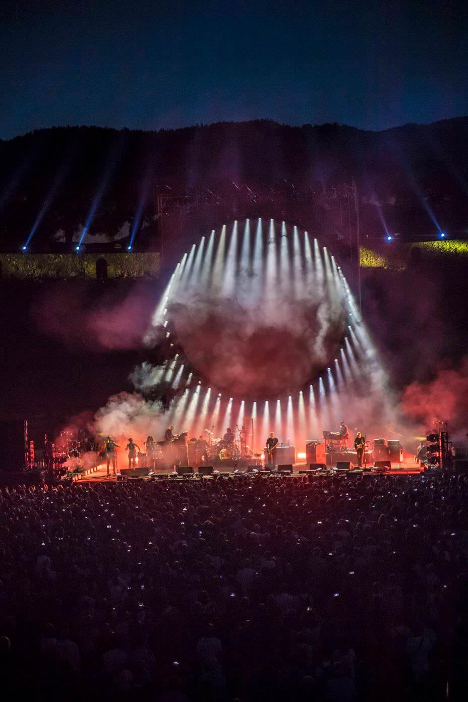 Gilmour-at-pompeii 9