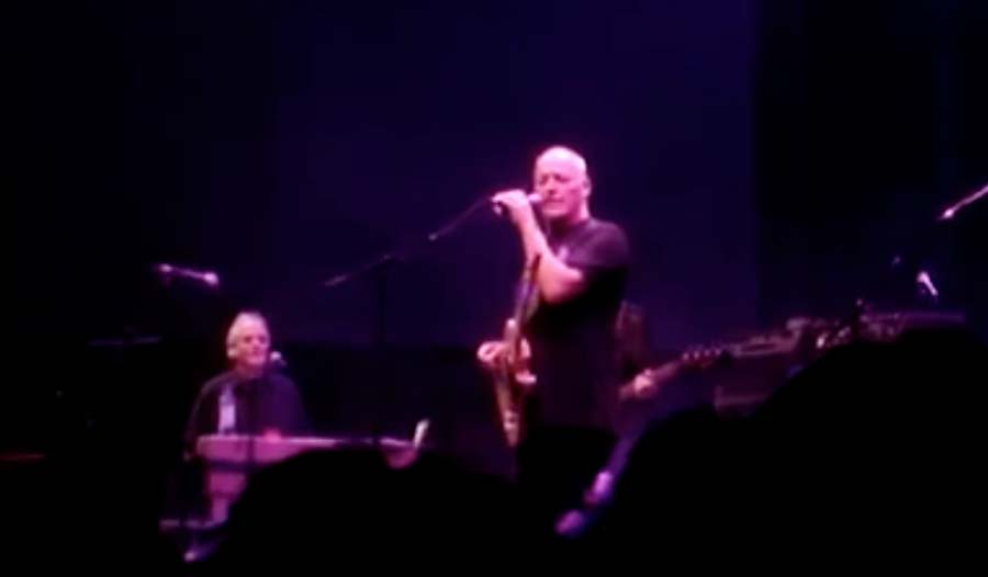 Watch: David Gilmour, Mason and Rick Wright (in his final performance) Honor Syd Barrett at Final Concert