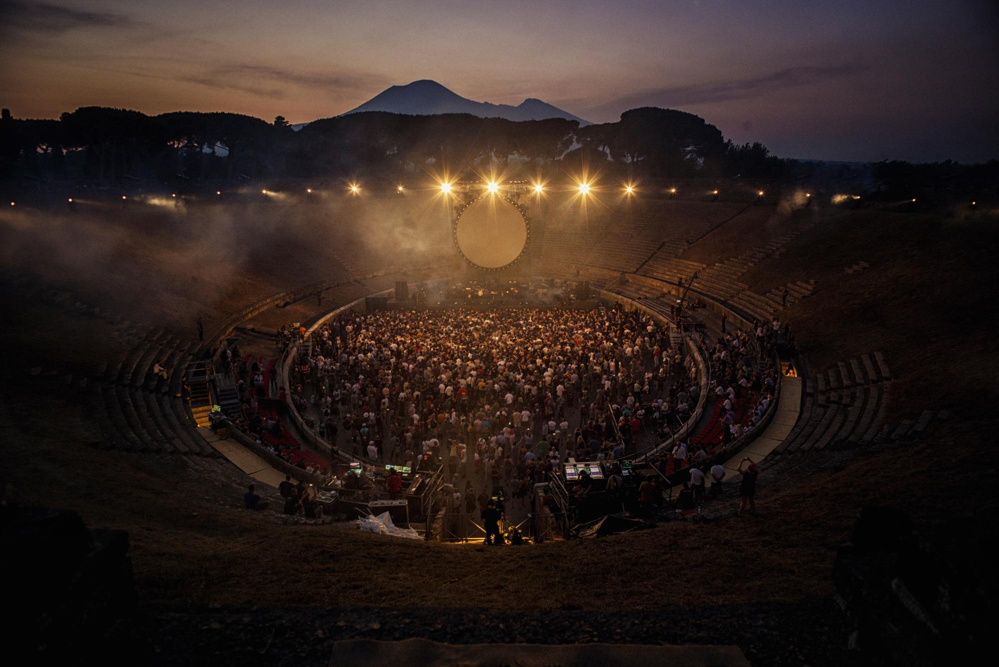 Behind The Scenes Story of David Gilmour Live at Pompeii with Perfect Photos