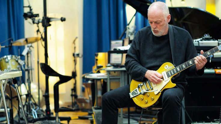 """David Gilmour Breathes New Life Into A Pink Floyd's Classic Song """"Astronomy Domine"""" (Live In Studio)"""