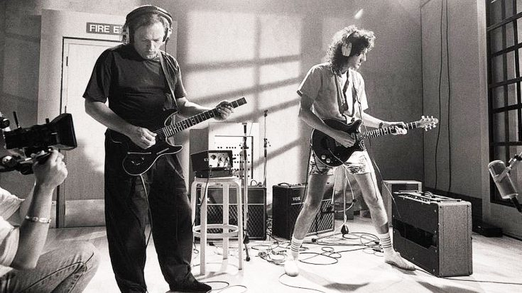 """Gilmour, Brian May, Dickinson, And Many Others Team Up For Wicked Cover Of """"Smoke On The Water"""" – Watch This Awesome Video!"""